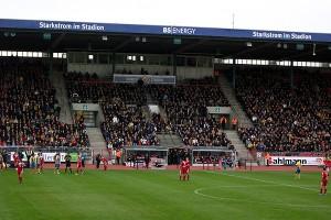 Die Haupttribüne im Eintracht-Stadion wird modernisiert