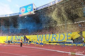 Eröffnungschoreo beim Werderspiel. Foto: Frank Vollmer, abseitsmagazin