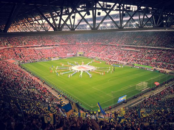 Saisoneröffnung in Düsseldorf. Und gleich im ersten Spiel wurden der Eintracht zwei klare Elfmeter verweigert. Ein Trend, der sich bis heute fortsetzt.